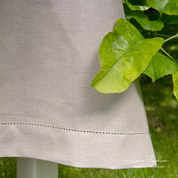 Grey tablecloth with 4cm border and hemstitch
