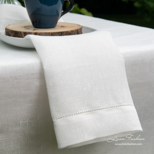 Pure linen patterned napkin with hemstitch