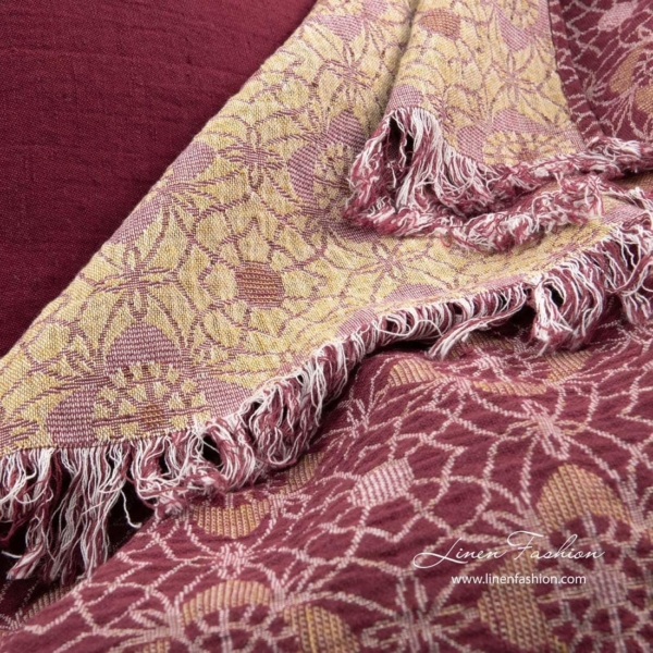 FLORE red blanket 4