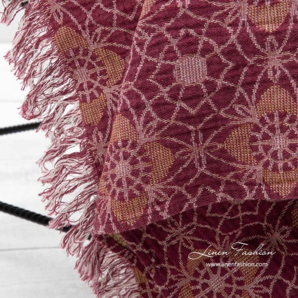 FLORE red blanket 3