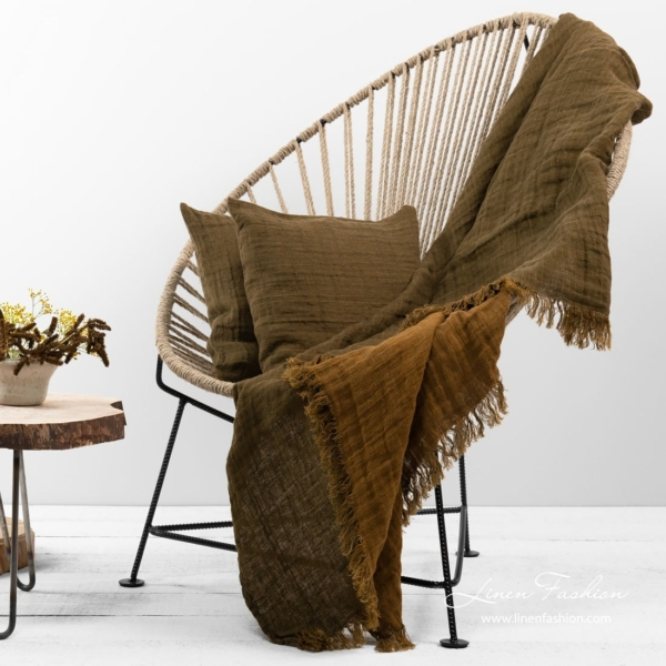 Brown patterned double sided linen blanket with fringes 1