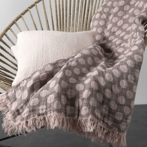 Grey & pink dotted linen blanket 2