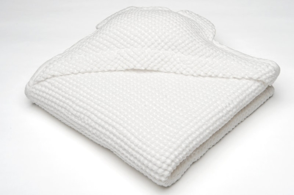 White linen baby towel with a hood 1