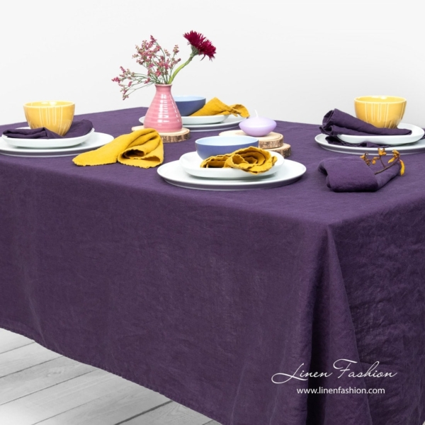 GAMMA purple tablecloth 2