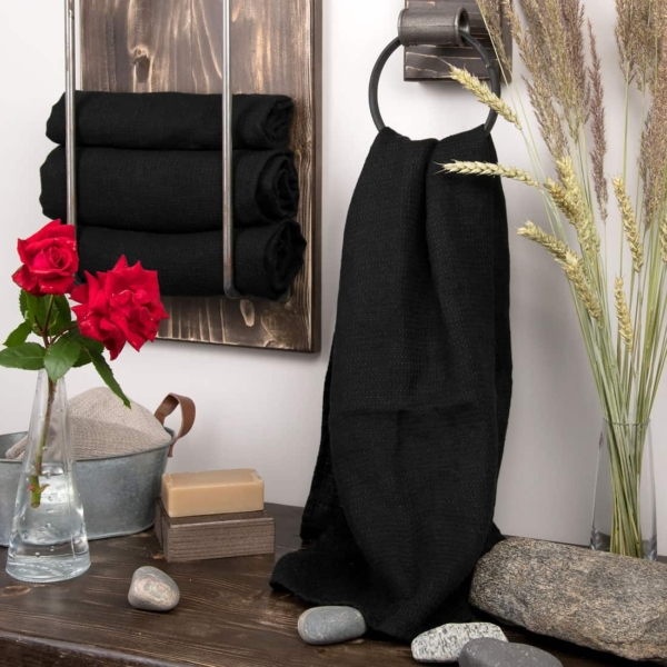 Black linen bath towel 1