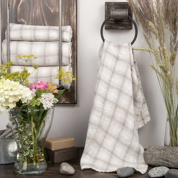 White checked linen bath towel 1