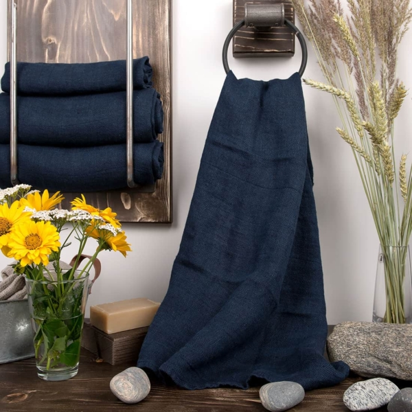 Dark blue linen bath towel 1