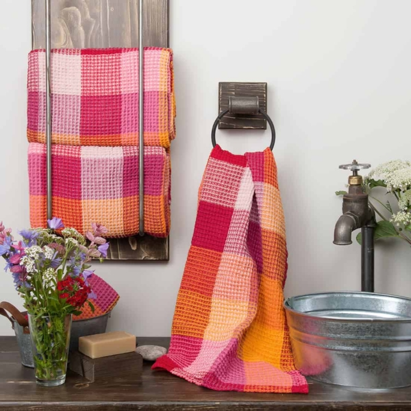 """Red checked linen """"waffle"""" towel 1"""