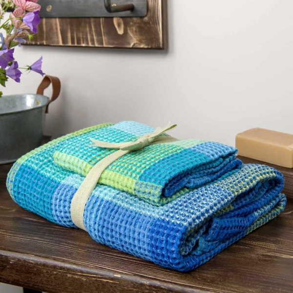 """Blue checked linen """"waffle"""" towel 3"""