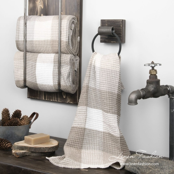 Linen towel in sand color checks 1