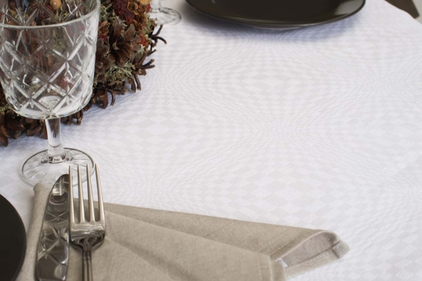 COSMOS round (oval) optical white tablecloth 2