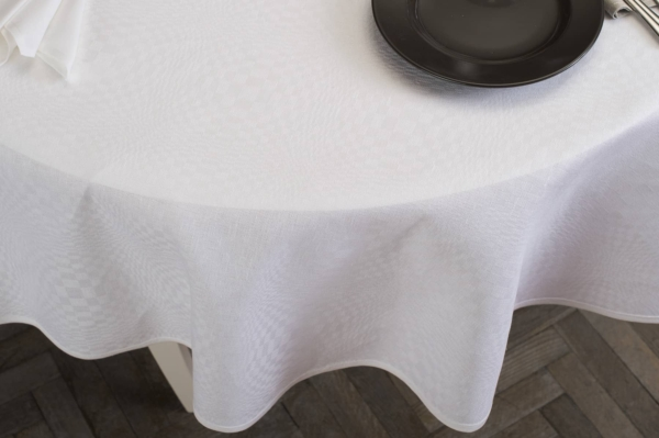 COSMOS round (oval) optical white tablecloth 3