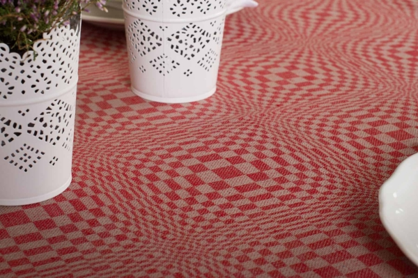 COSMOS round (oval) red tablecloth 3