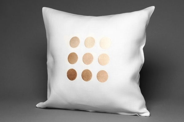 BUBLE white cushion cover 1