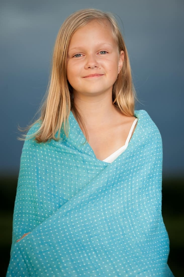 Double sided linen throw in turquoise 2