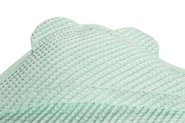 Green linen baby towel with a hood 2