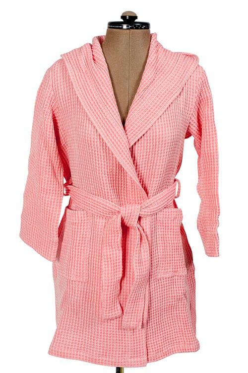 Pink linen kids' bathrobe with a hood 1