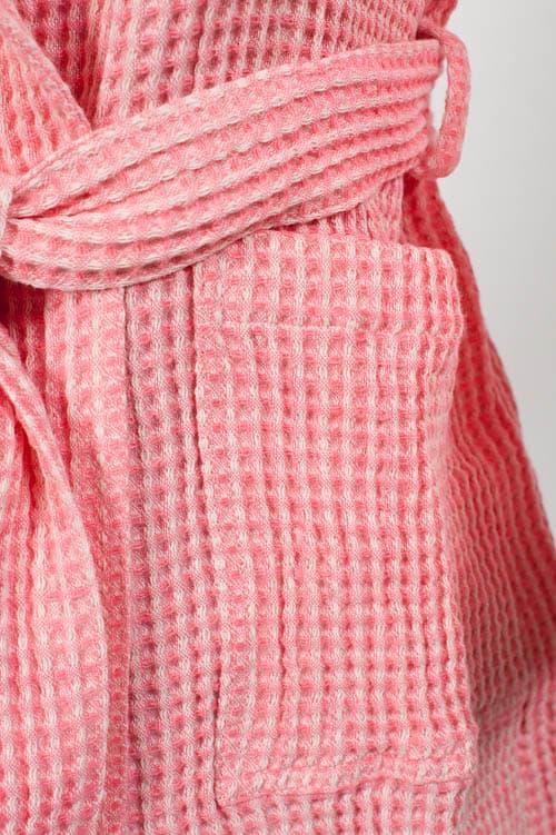 Pink linen kids' bathrobe with a hood 4