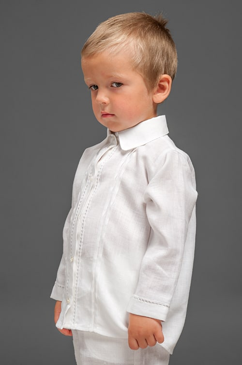 White linen boy shirt with decorative pleats and lace 2