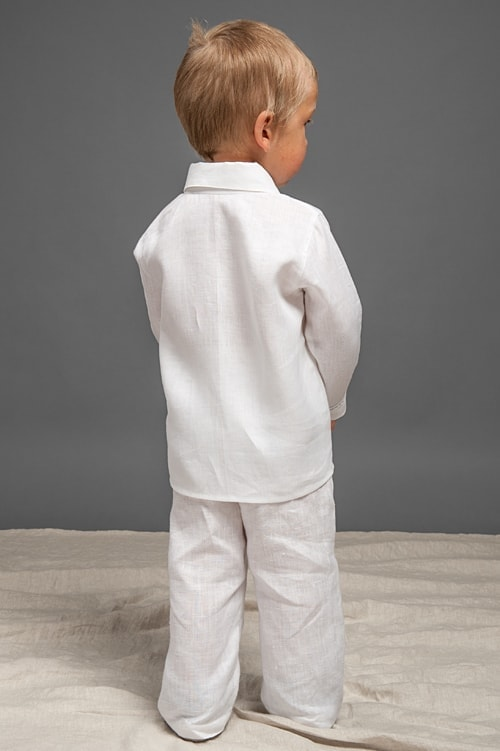 White linen boy shirt with decorative pleats and lace 3