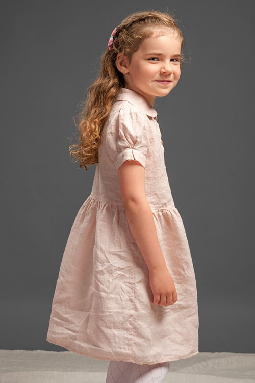Pink linen girls' dress with puffy sleeves 2