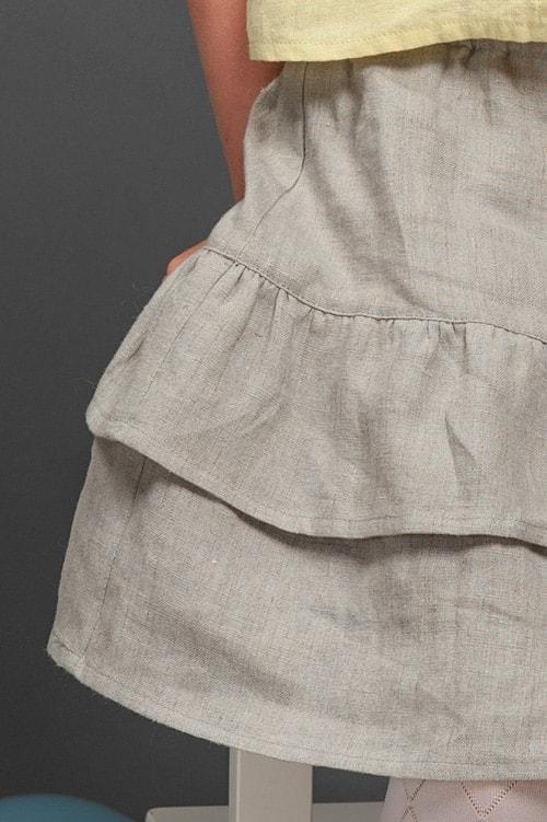 Light grey linen girl's skirt with ruffles 2