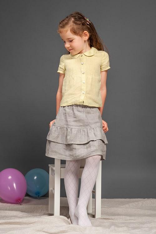 Light grey linen girl's skirt with ruffles 3
