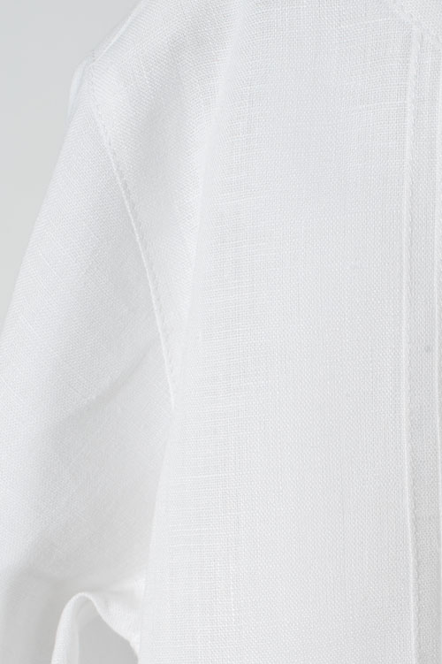 White linen boy shirt with pleats 3
