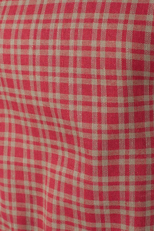 Red checked linen apron for kids 2