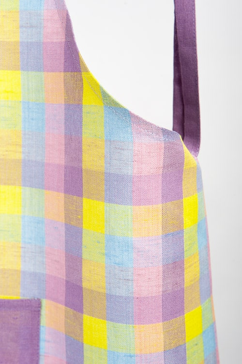 Lilac checked linen kids apron 2