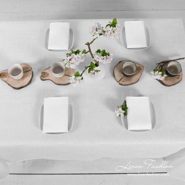 White patterned linen tablecloth | Linen Fashion
