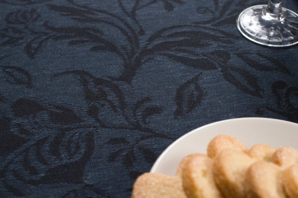 Dark blue floral jacquard linen tablecloth 3