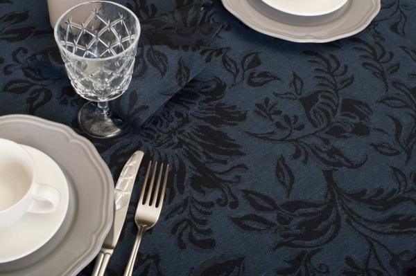 Round (oval) dark blue floral linen tablecloth 3