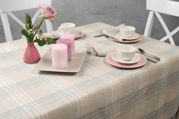 DELTA light grey tablecloth 1