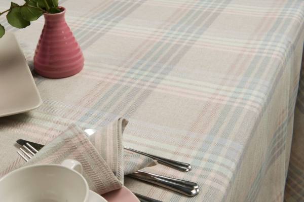 DELTA light grey tablecloth 2