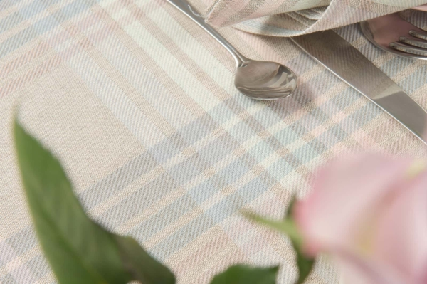 DELTA light grey tablecloth 3