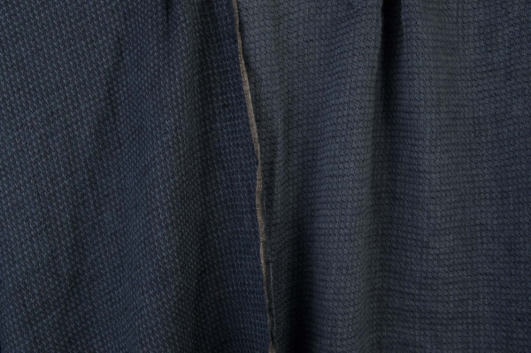 Double-sided washed linen fabric in a dark blue colour 1