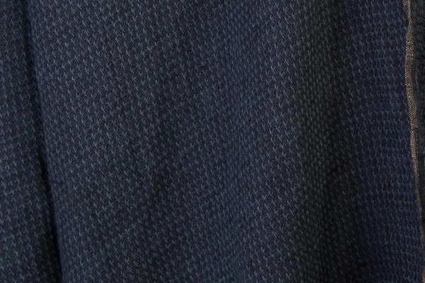 Double-sided washed linen fabric in a dark blue colour 2