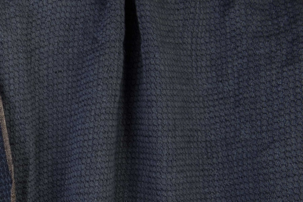 Double-sided washed linen fabric in a dark blue colour 3