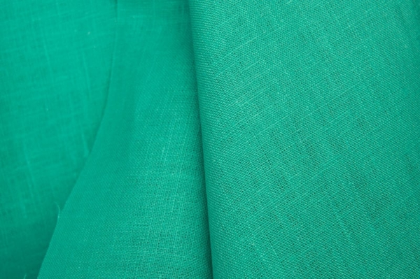 Pure linen fabric in green 1