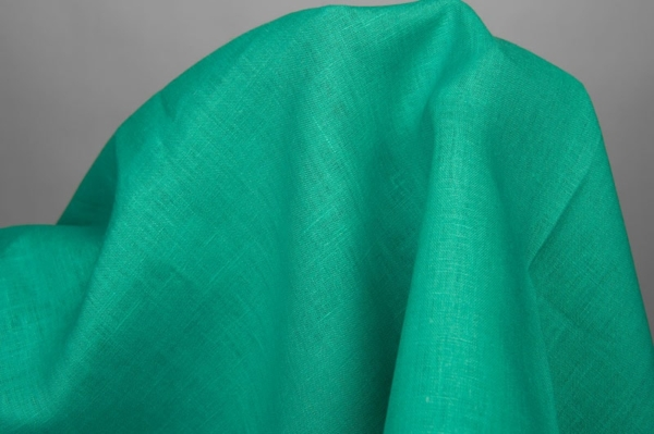Pure linen fabric in green 2