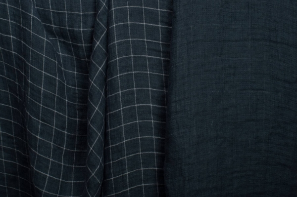 Dark blue checked double-layer linen fabric, washed 1