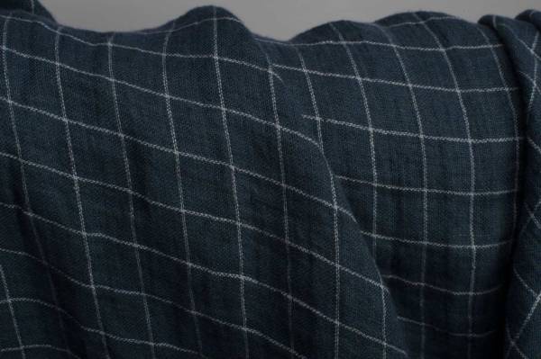 Dark blue checked double-layer linen fabric, washed 3