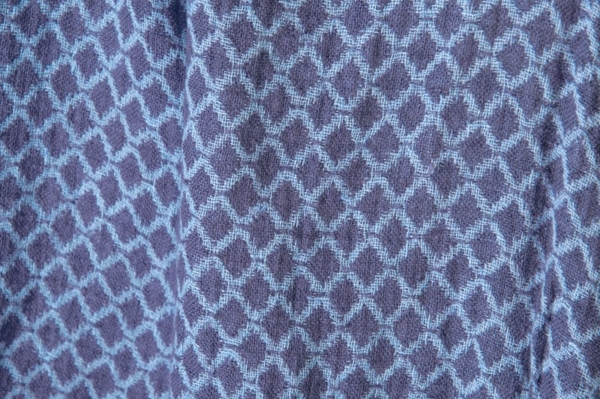 Blue double-sided washed linen fabric in a diamond pattern 3