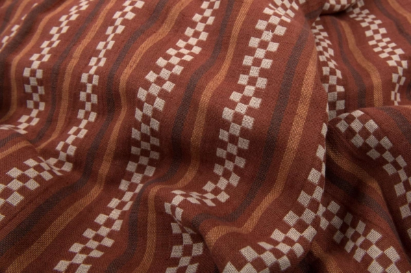 Brown patterned double half-linen fabric, washed 2