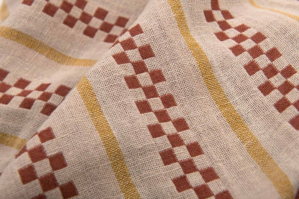 Brown patterned double half-linen fabric, washed 3