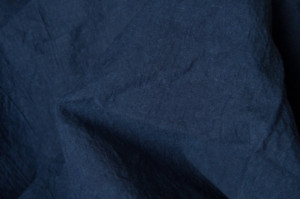 Washed linen fabric in dark blue 2