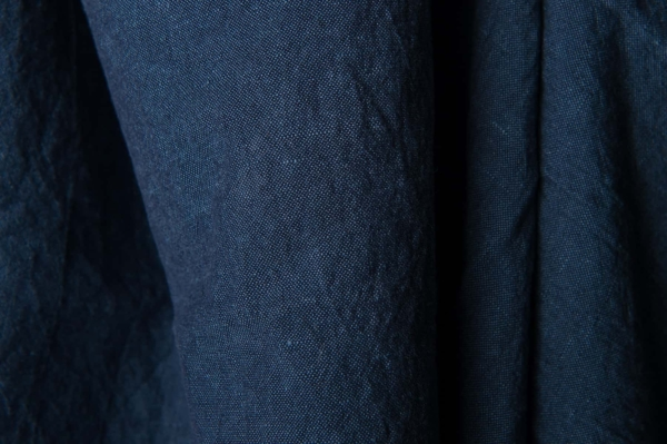 Washed linen fabric in dark blue 1