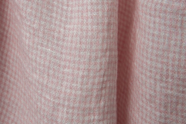 Washed linen fabric in tiny pink checks 1