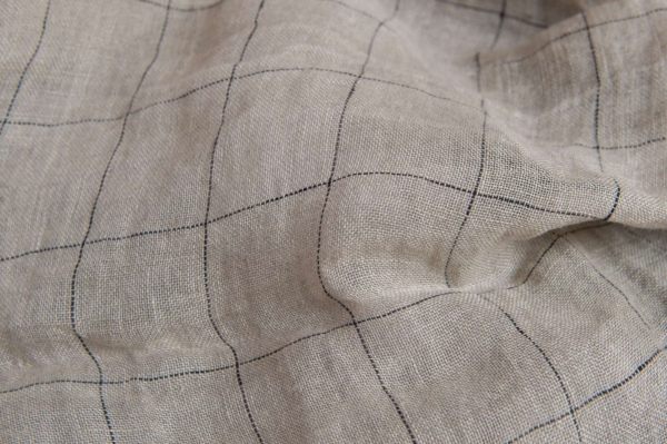 Grey transparent checked linen fabric, washed 1